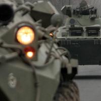 Katonai járművek lassíthatják a közlekedést vasárnap és hétfőn
