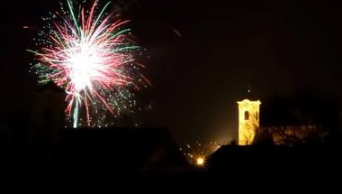 Idén szilveszteri buli és tűzijáték sem lesz a Fő téren
