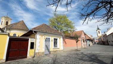 Pest megyében, így Szentendrén is marad a kijárási korlátozás