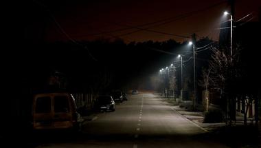 Több mint negyven utcában bővül a közvilágítás tavaszig