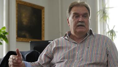 Cseri Miklós újabb öt évig vezetheti a Szentendrei Skanzent