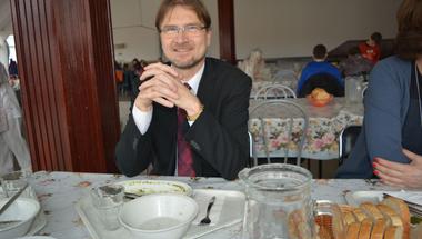 Menzakosztot tesztel két héten át Verseghi-Nagy Miklós