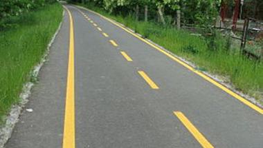 Parlagfű, hepehupa, kátyúk - Így fest a város bringaútügyben