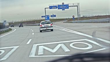 Újabb bőrt húznak le az autósokról - januártól fizetős lesz az M0-s