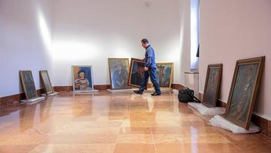 Új kiállítással nyit a felújított Czóbel Múzeum