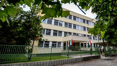 Több mint hatszázmillió forintból megújult a szentendrei helyőrségi szálló