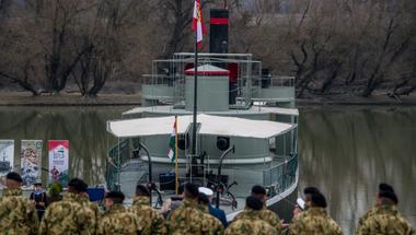 A Dunakanyart sem hagyja ki a Lajta Monitor Múzeumhajó