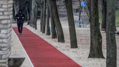 Izbégen épül futópálya a kormánytól kapott 20 millió forintból