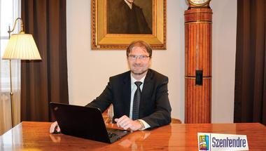 Kérdezz-felelek: ismét online fogadóórát tartott a polgármester