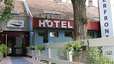 Rendkívüli ülés: négycsillagos szálloda és irodaház épülhet a szentendrei Duna-parton