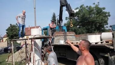 Már épül a Turul szobor, engedély viszont (még) nincs