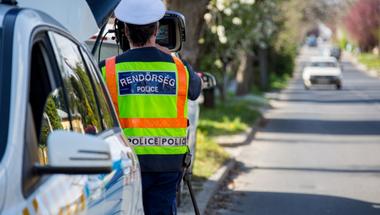 Hétfőtől országos razzia az utakon: ismét a gyorshajtókra utazik a rendőrség