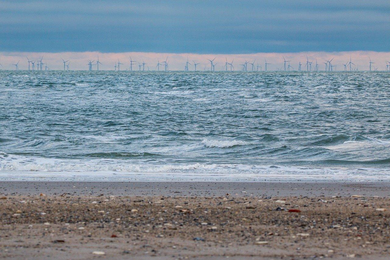 Cikkajánló hétvégére: műanyag eső, úszó erőd és búcsúzó atomerőművek
