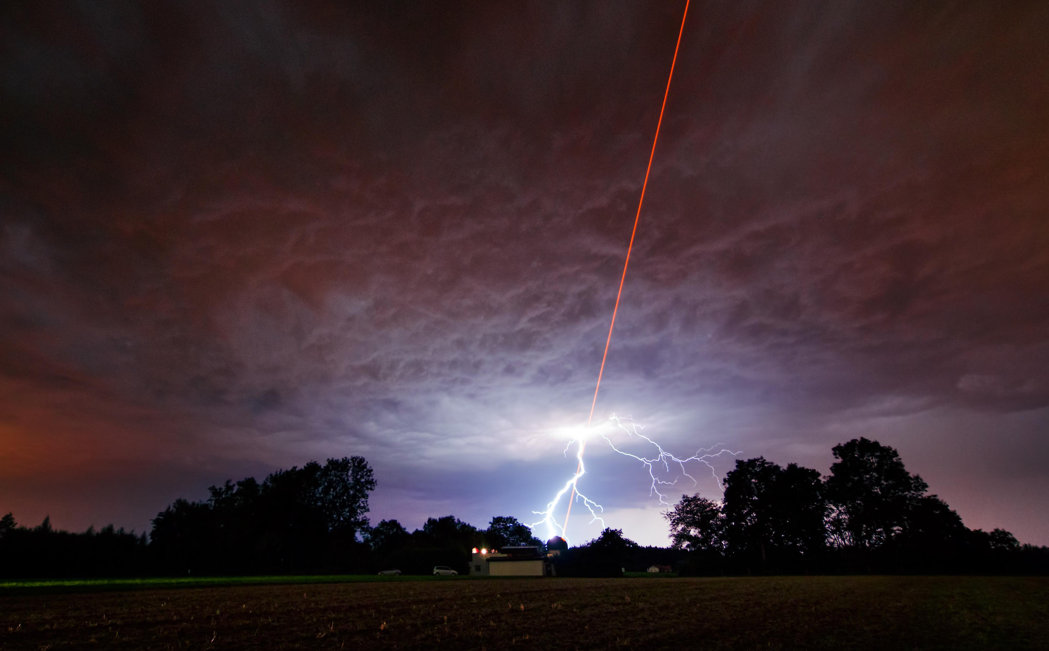 laser_meets_lightning.jpg