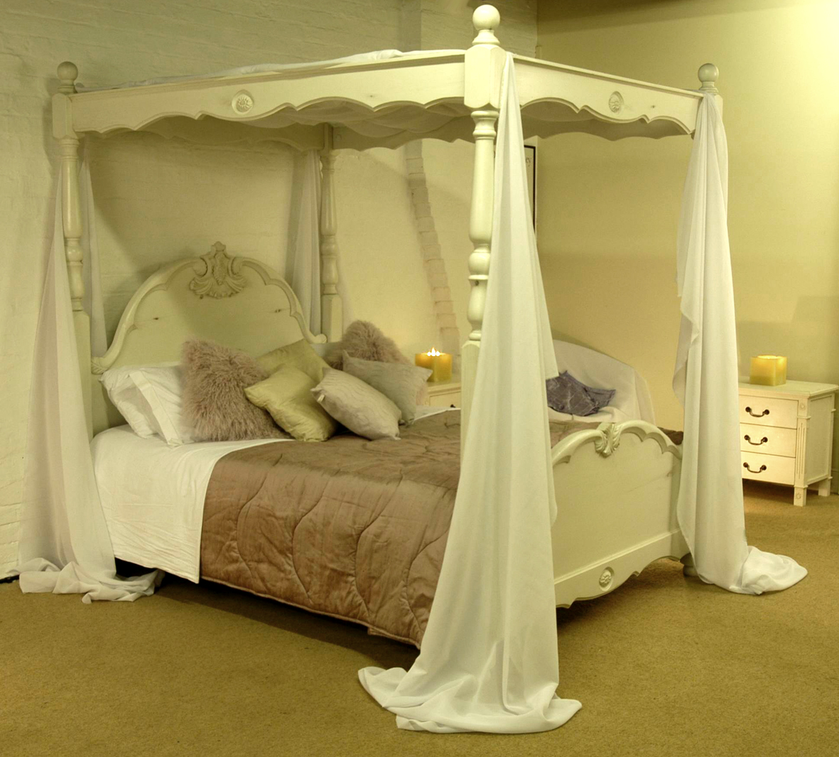 four-poster-bed_1.jpg