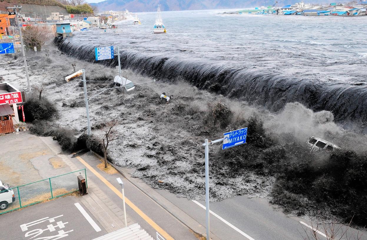 a_cunami_utan_10_evvel_talalt_ra_szuleire_egy_kislany_1.jpg