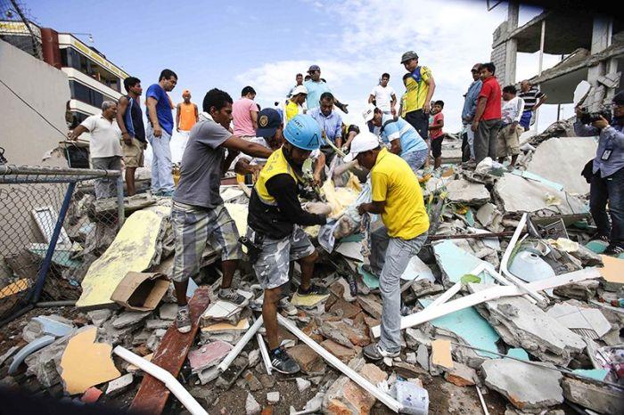 earthquake_in_ecuador_03.jpg