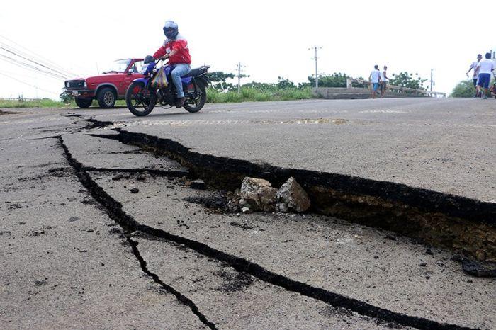 earthquake_in_ecuador_06.jpg