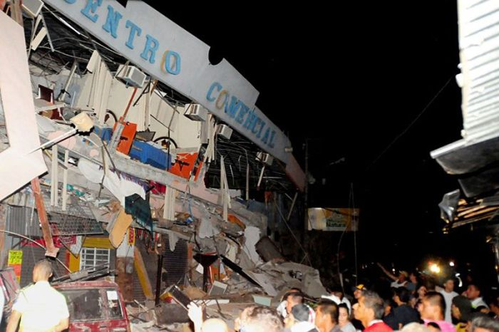 earthquake_in_ecuador_11.jpg