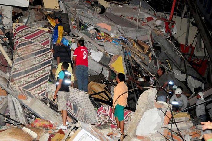 earthquake_in_ecuador_17.jpg