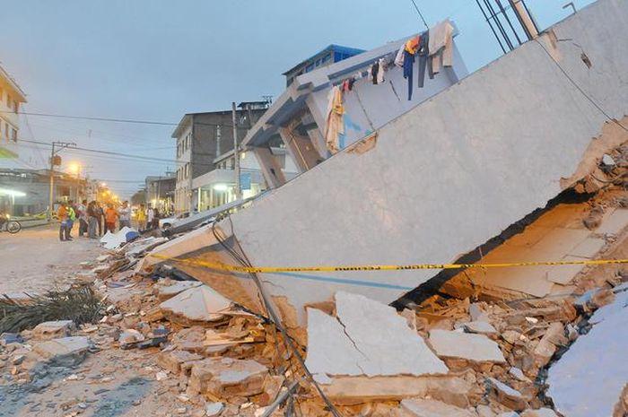 earthquake_in_ecuador_19.jpg