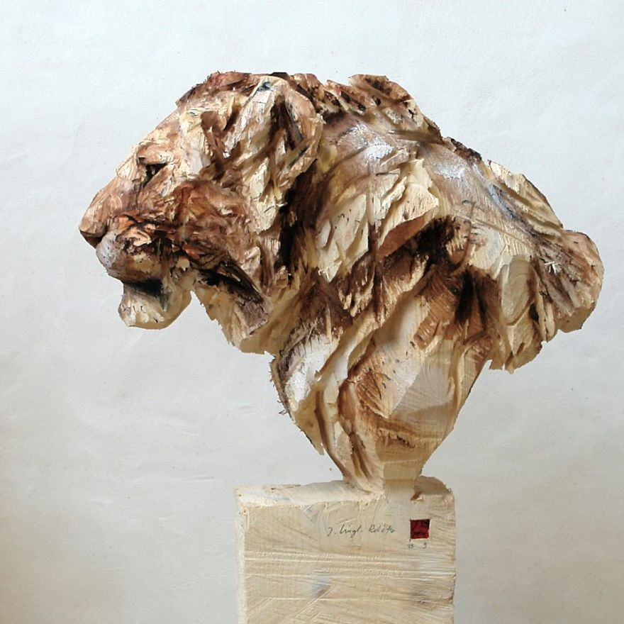 youll-be-amazed-to-see-what-this-artist-does-with-a-chainsaw-5b695c8f9fa68_880.jpg