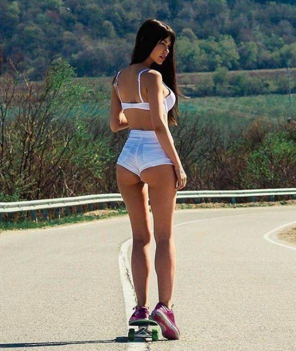 short_hot_girls_17.jpg