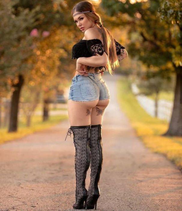 short_hot_girls_34.jpg