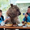 Nincs ötleted, hogy milyen állatot fogadj örökbe? Az oroszok megint alkottak.