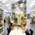 Itt dolgoznak, akik egész nap legóznak - LEGO központ Dániában