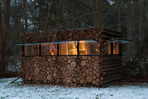 log-house-on-wheels-12.jpg