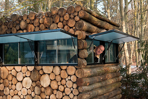 log-house-on-wheels-3.jpg