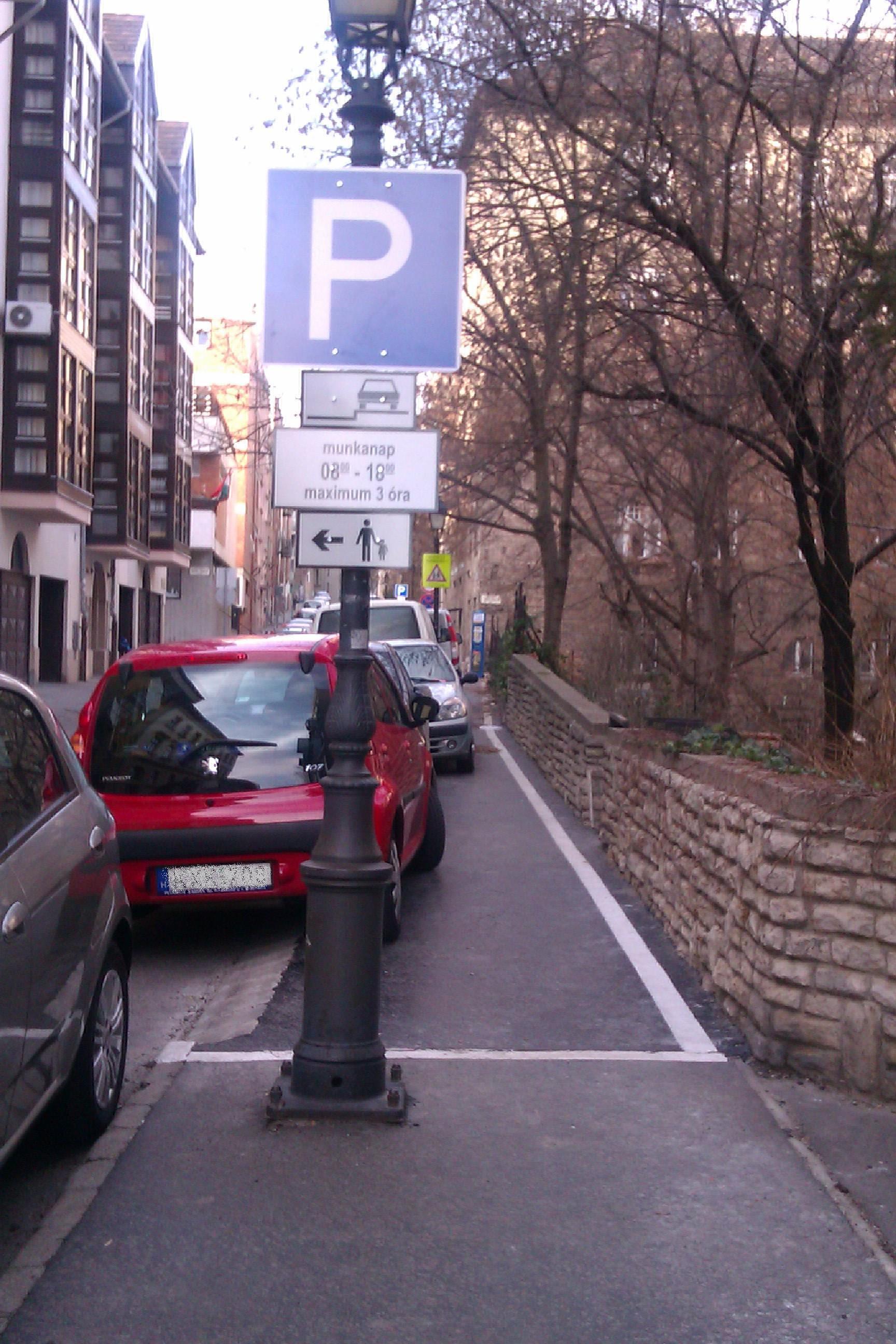 Toldy parkolás 13-01-08.JPG