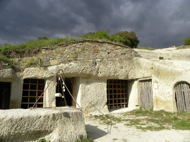 Fotócsütörtök - Barangolás a barlanglakások között