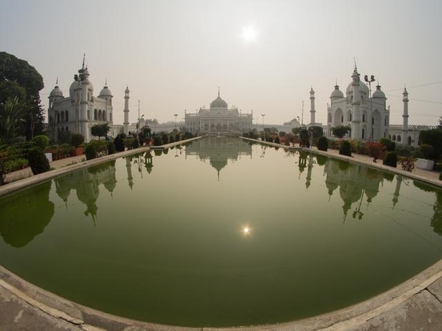 Fotócsütörtök - A Chota Imambara tükröződése