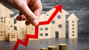 Fellélegezhetnek az építtetők? Megszűnik az alapanyaghiány és csökkennek az árak is