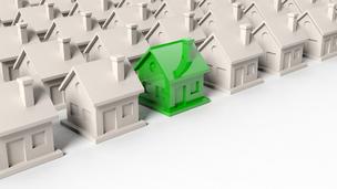 Változó lakáshitelezés: nehezítenek és védenek