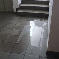 Kell-e a lépcsőházba padlóösszefolyó?