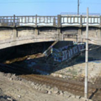 Két éve bontották el az érdi vasúti ívhidat