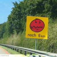 Érdekes közlekedési táblák