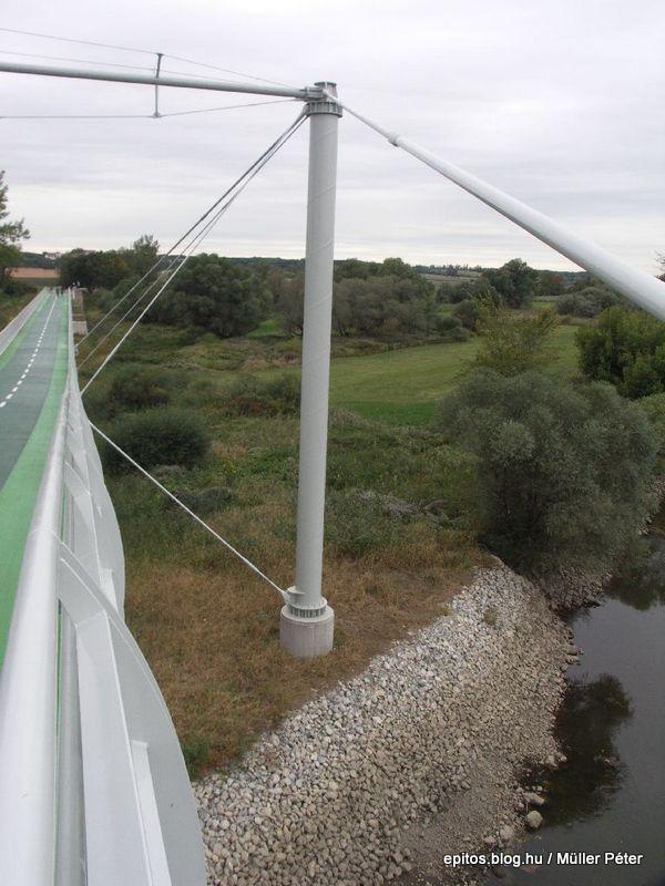 260 híd oszlop.jpg
