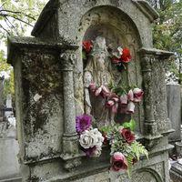 Sírromok és ódon síremlékek Fehérvár legöregebb temetőjében