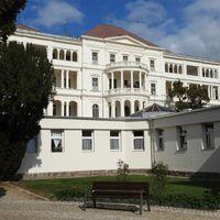 Közeli helyeken: a balatonfüredi Állami Szívkórház