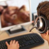 Pornónézős átverés a könyvtárban