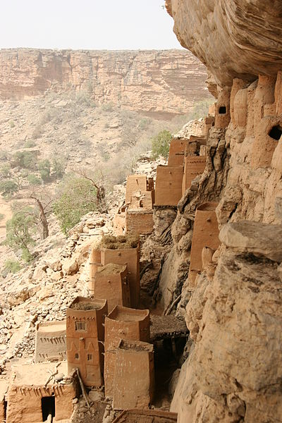 Bandiagara_escarpment_1.jpg