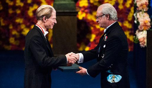 Gurdon Nobel Díjat kap.jpg