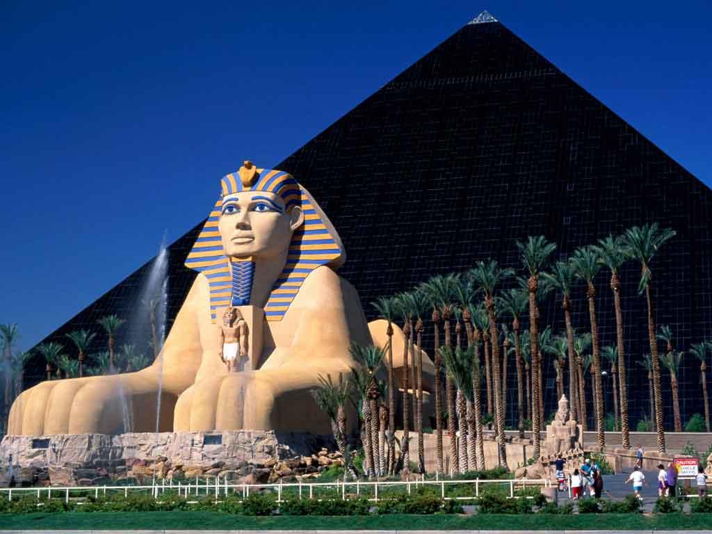 Luxor Las Vegasban.jpg