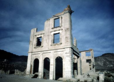 ghost_town_picture_6.jpg