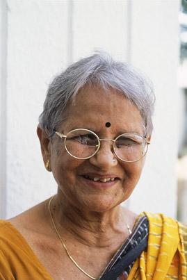 indiai néni.jpg