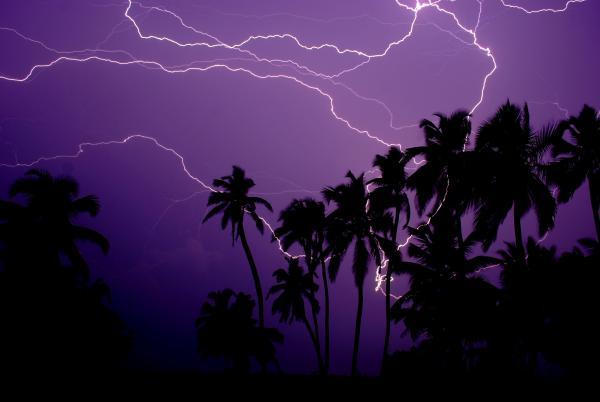 lightning-crack-catatumbo-venezuela.jpg